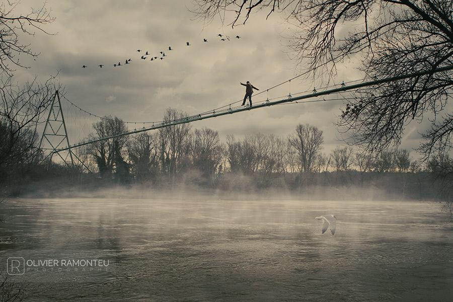 Autoportrait surréaliste par le photographe lyonnais Olivier Ramonteu