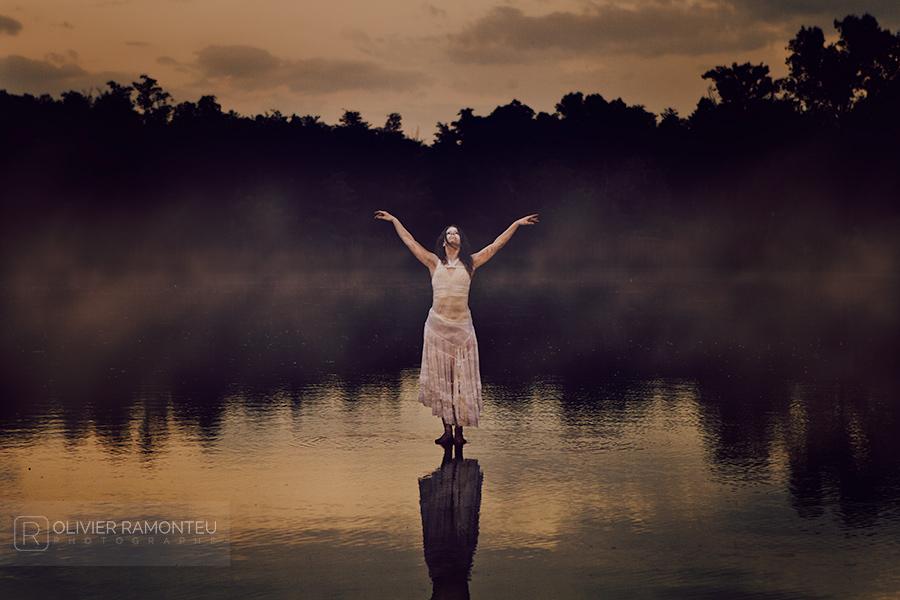 Photographie artistique réalisée avec la danseuse de l'Opéra de Lyon Elsa Raymond