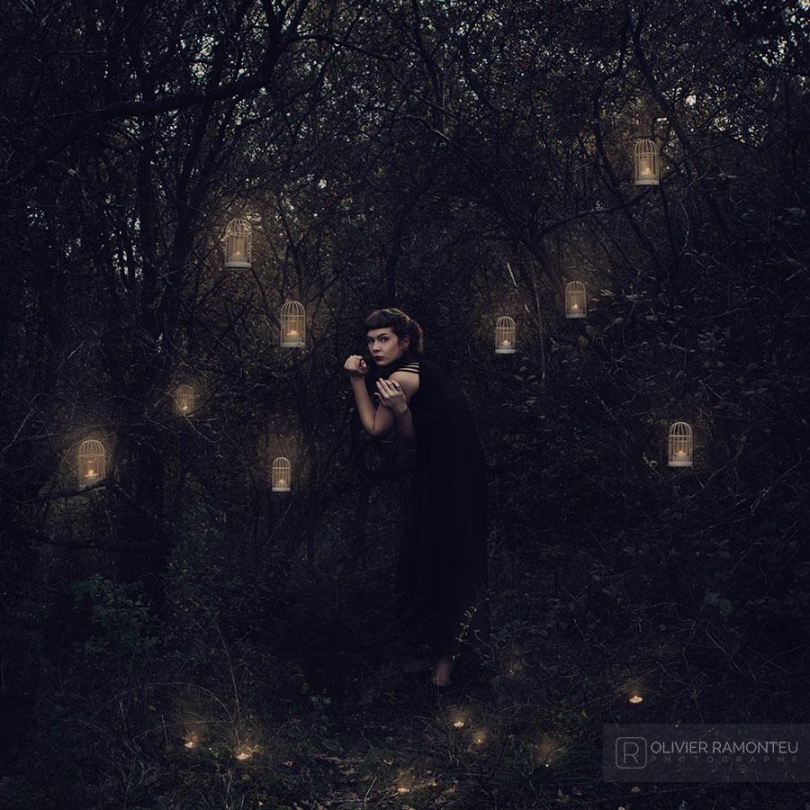 Photographie artistique réalisée avec la musicienne de Pethrol, Heloïse Derly