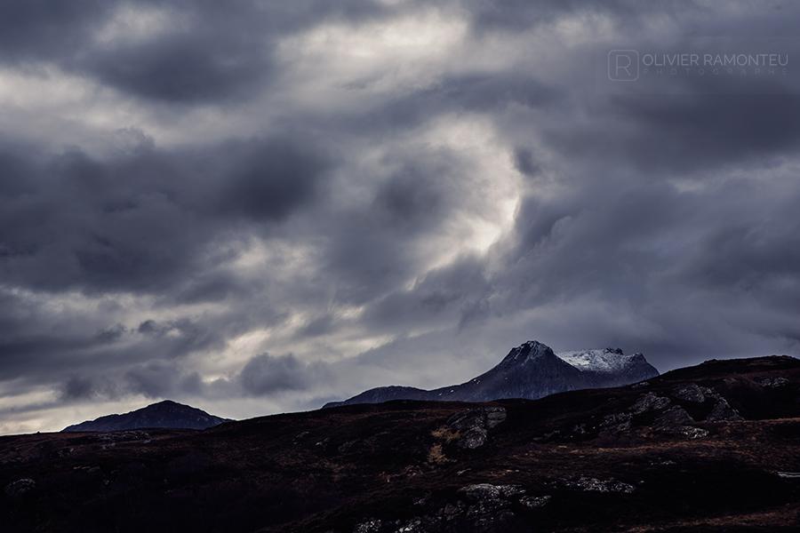 Sommets enneigés des Highlands en Ecosse